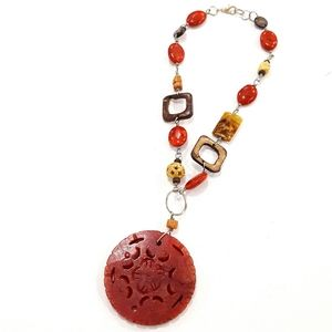 Jewelry - Vintage Agate Dragon Vein Carved Pendant Necklace